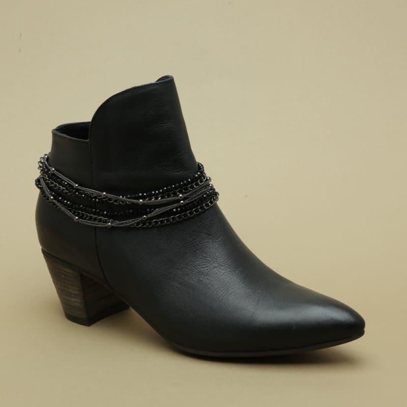 שרשרת לנעליים