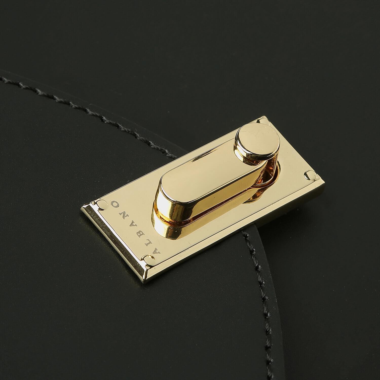 אבזם תיק צד שחור קטן בעיצוב קלאסי מדגם בלה 06