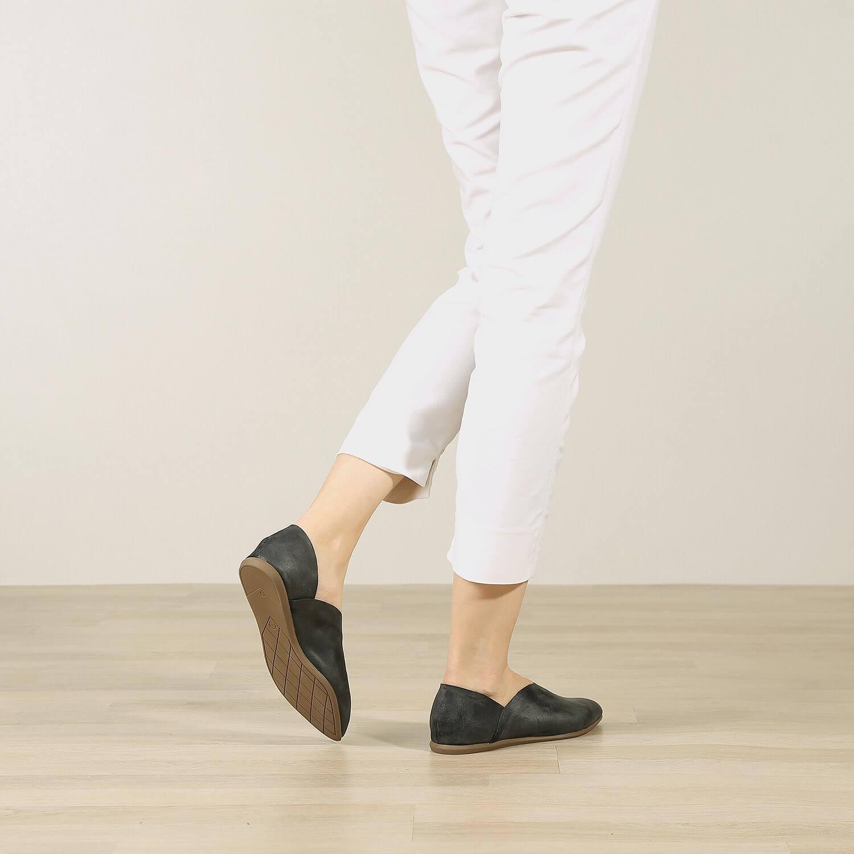 תמונת אווירה של נעל בלרינה לנשים בצבע שחור 2 - דגם אווה 5903