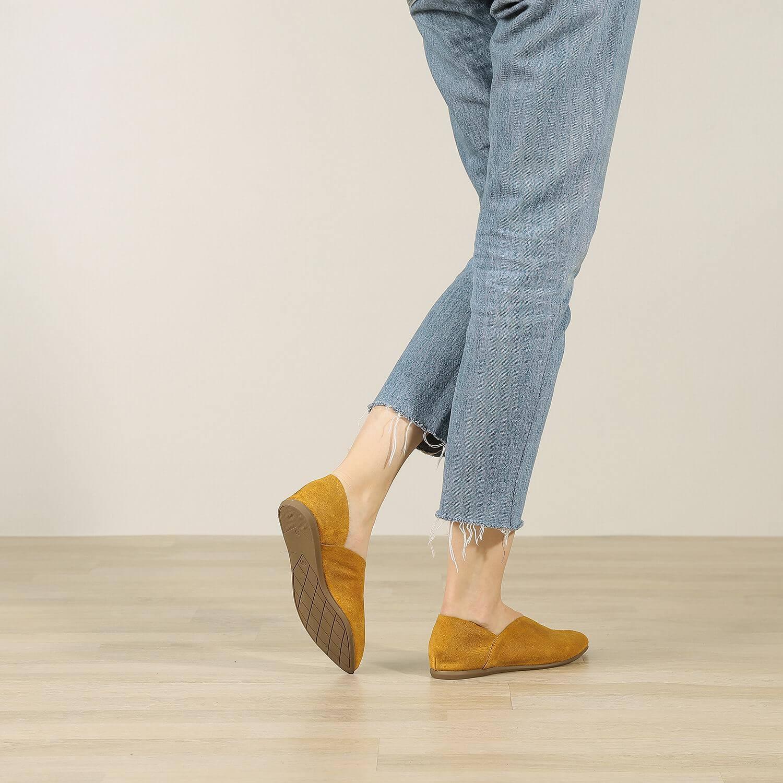 תמונת אווירה של נעל בלרינה לנשים בצבע חרדל - דגם אווה 5903