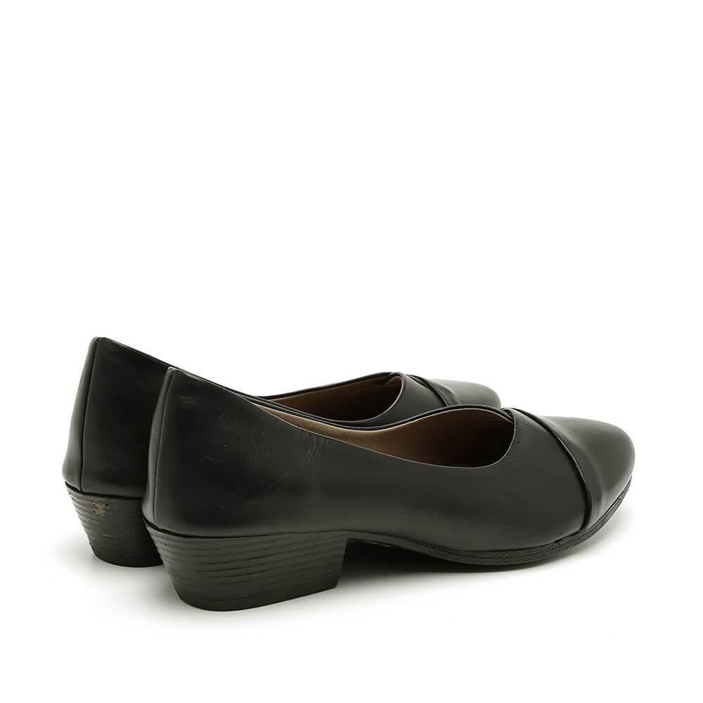 נעלי סירה בצבע שחור עם עקב - דגם יערה 84418