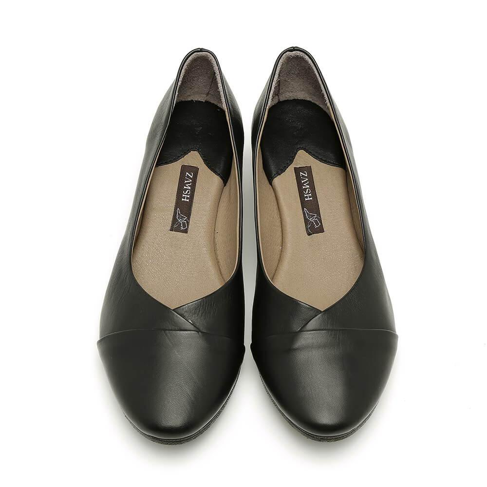 נעלי סירה בצבע שחור עם עקב מדגם יערה 84418
