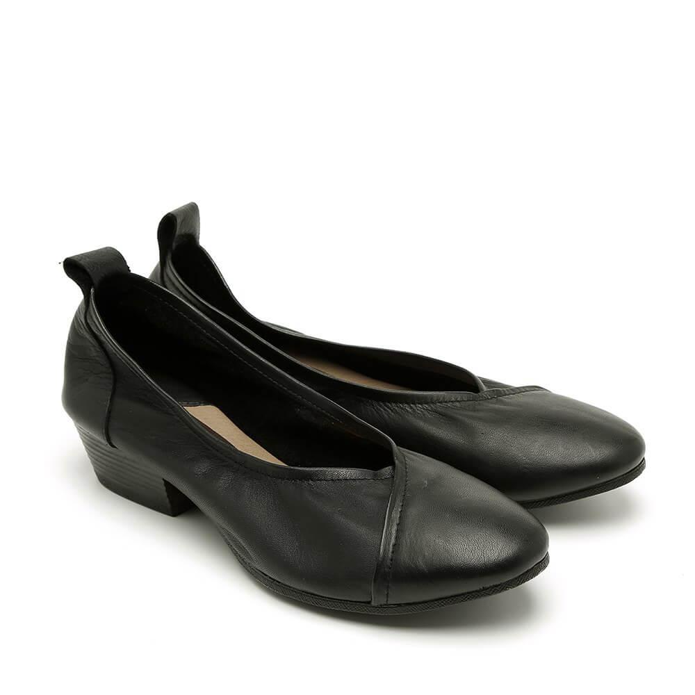 נעלי סירה עם עקב לנשים בצבע שחור - דגם טופז 84436