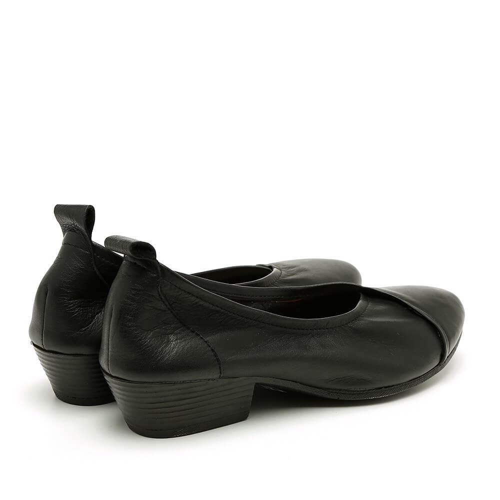 נעלי סירה מעור עם עקב לנשים בצבע שחור - דגם טופז 84436