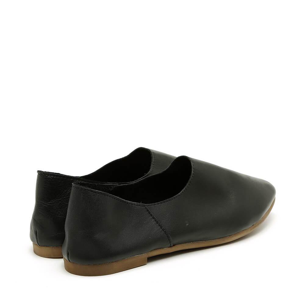 נעל בלרינה שחורה קלאסית עם עקב שטוח - דגם נגה 8890
