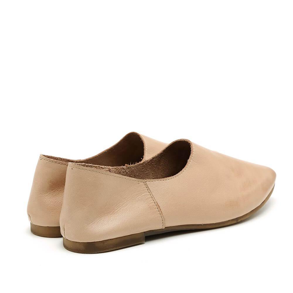 נעל בלרינה שטוחה וקלאסית בצבע בז' - דגם נגה 8890