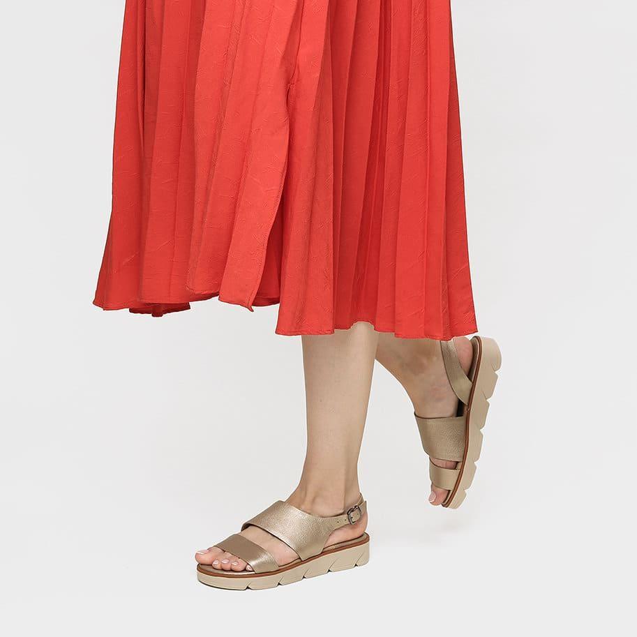 רישה נועלת סנדלי פלטפורמה מעור בצבע זהב - דגם הלן 3121