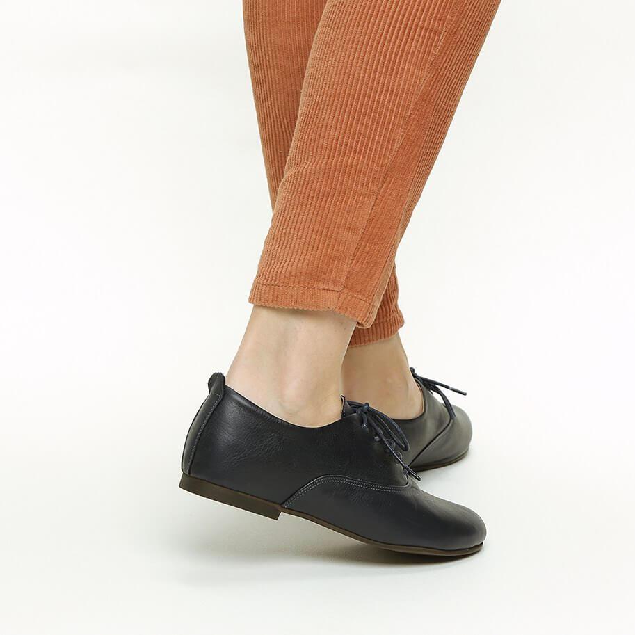 נעלי שרוך שחורות מעור - דגם מאי 1610