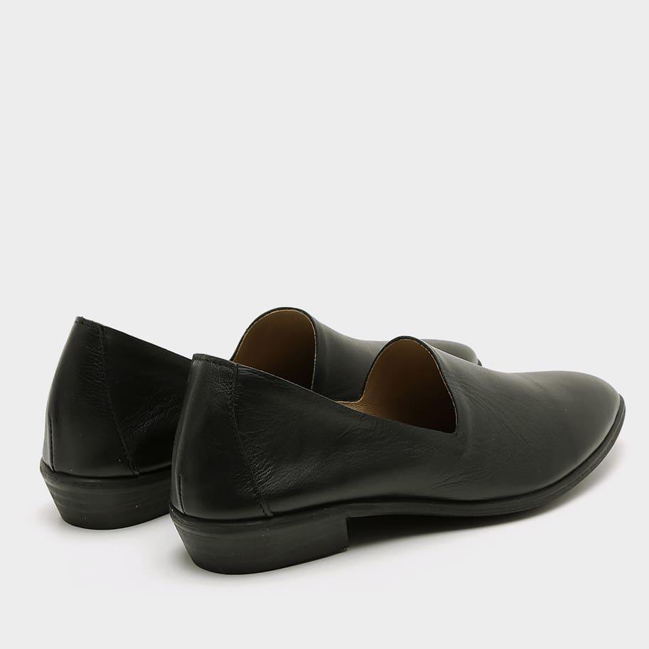 נעלי סירה מעור עם עקב – דגם נורי