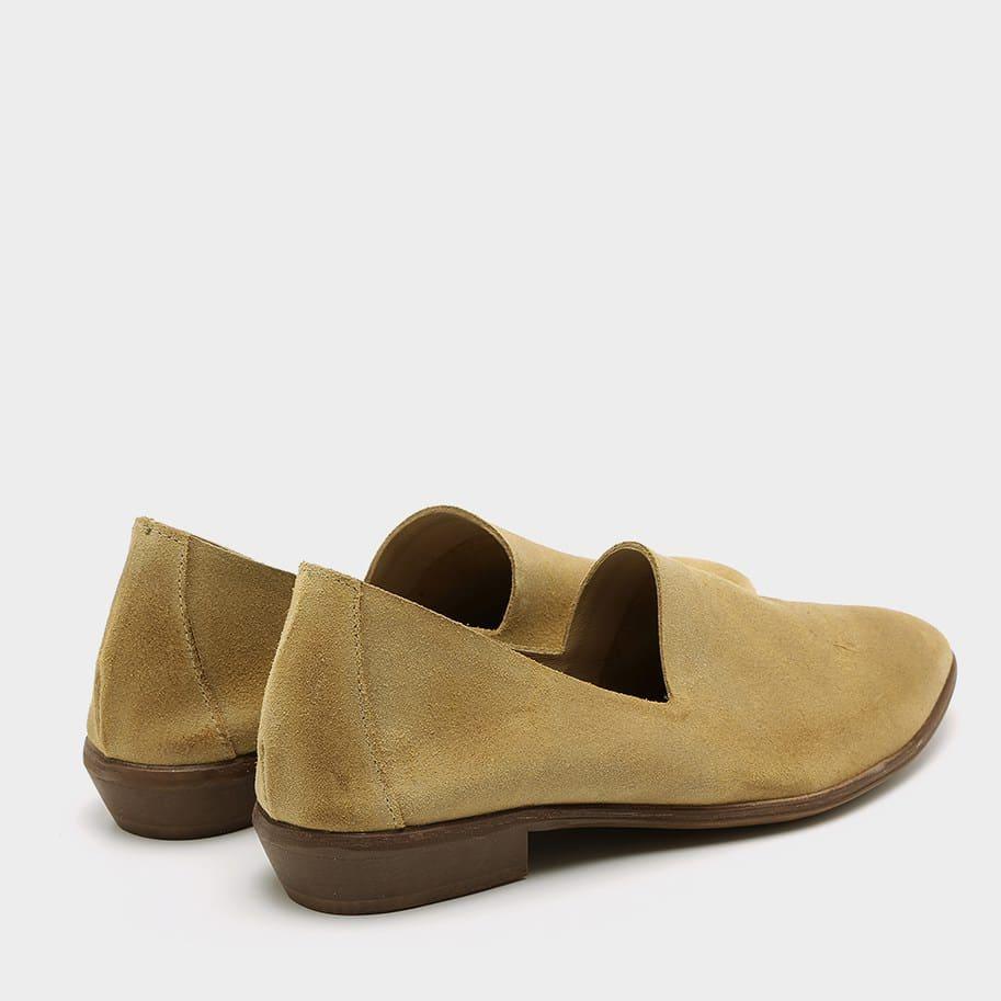 נעלי סירה עם עקב בעיצוב סגור – דגם אורי