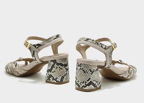 נעליים עם עקבי בלוק