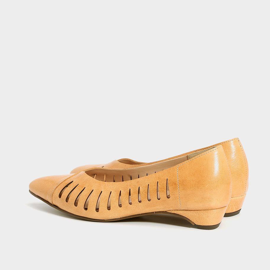 נעלי סירה לייזר עם עקב שפיץ שטוח – דגם סמדר