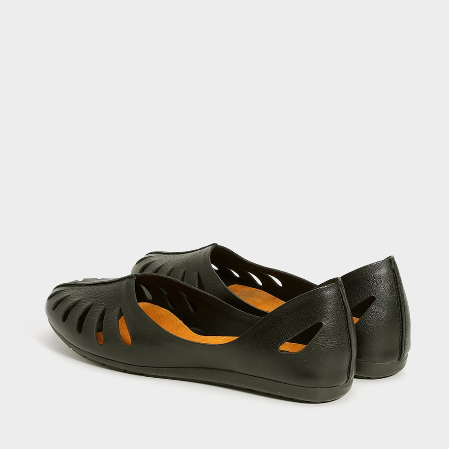 נעלי סירה נוחות עם חיתוכי לייזר – דגם איילת