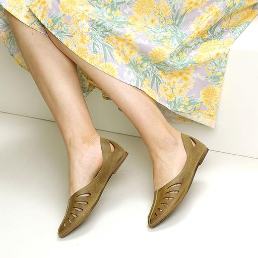 נעלי סירה מעור עם חיתוכי לייזר – דגם מיכל