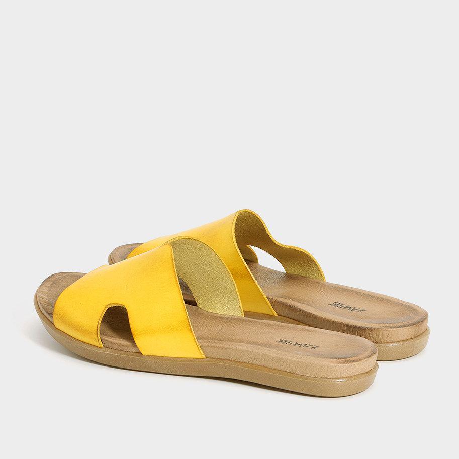 כפכף צהוב עם עקב שטוח - דגם דיאנה