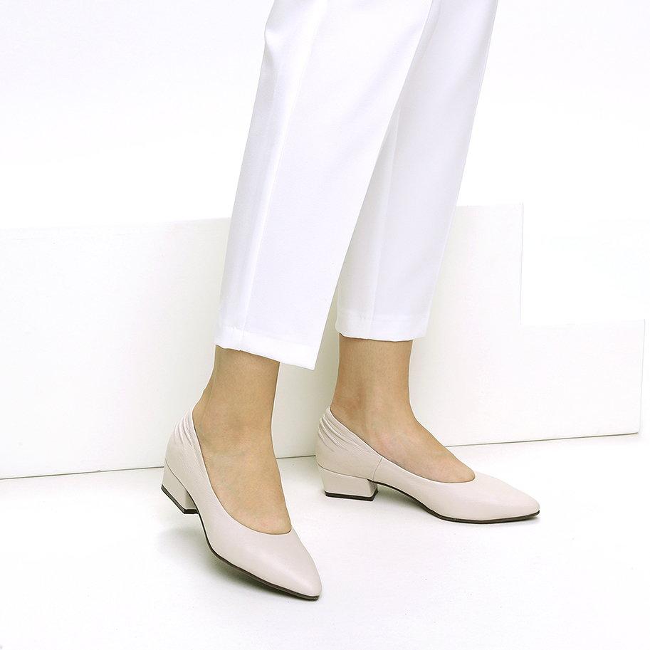 נעלי סירה מחודדות מעור – דגם קרול
