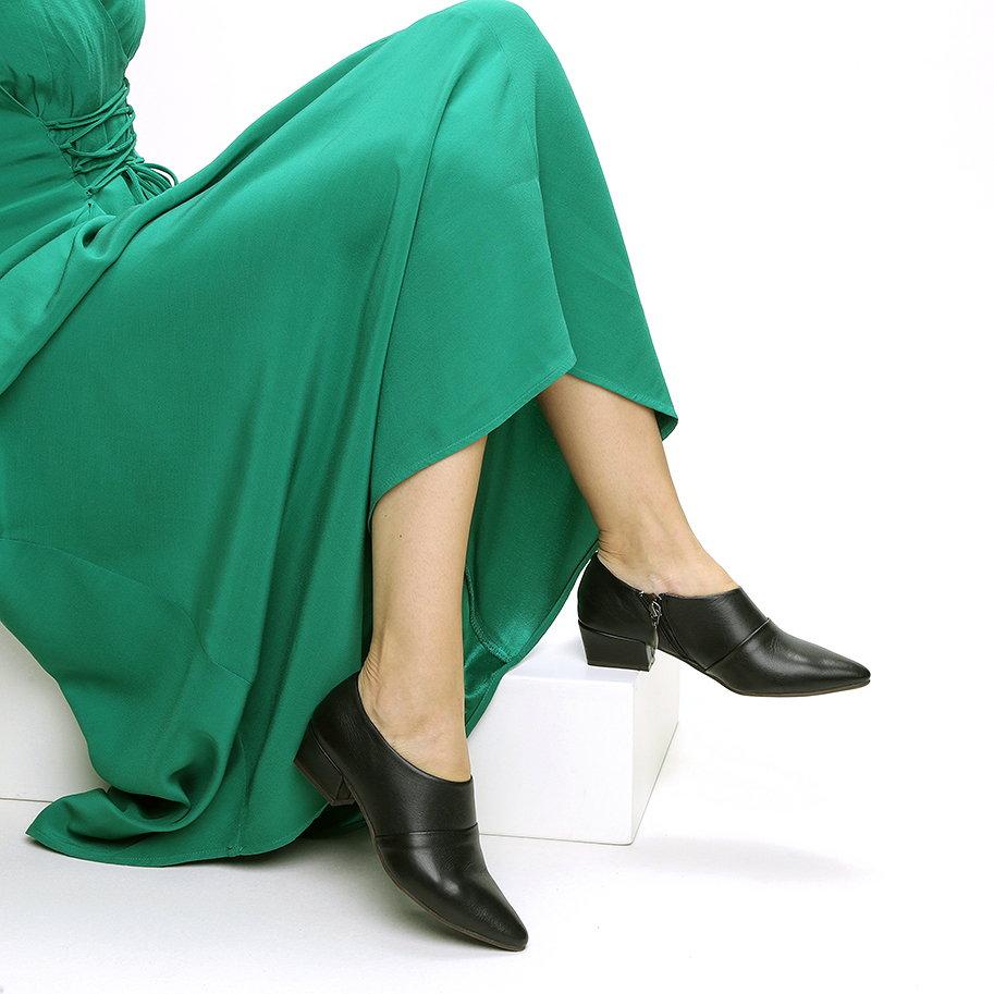 נעלי שיק עור חרטום מחודד – דגם נינה