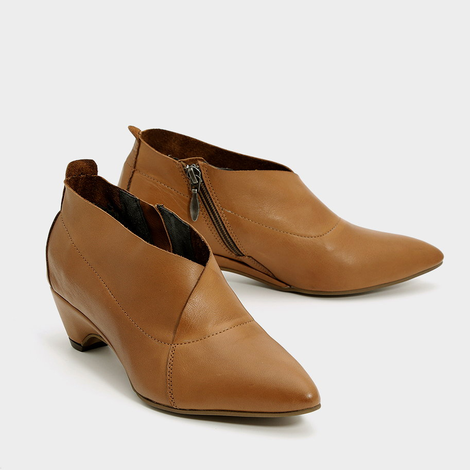 נעלי שפיץ אלגנטיות מעור- דגם אריאנה